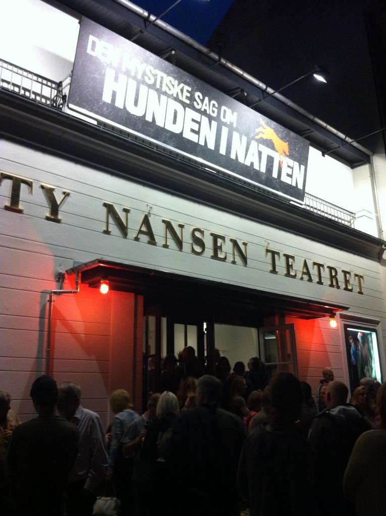 Teatrene skal helst også selv have røde lygter i fremtiden. Fremfor at det kun er biograferne, der har succes med at vise teater.