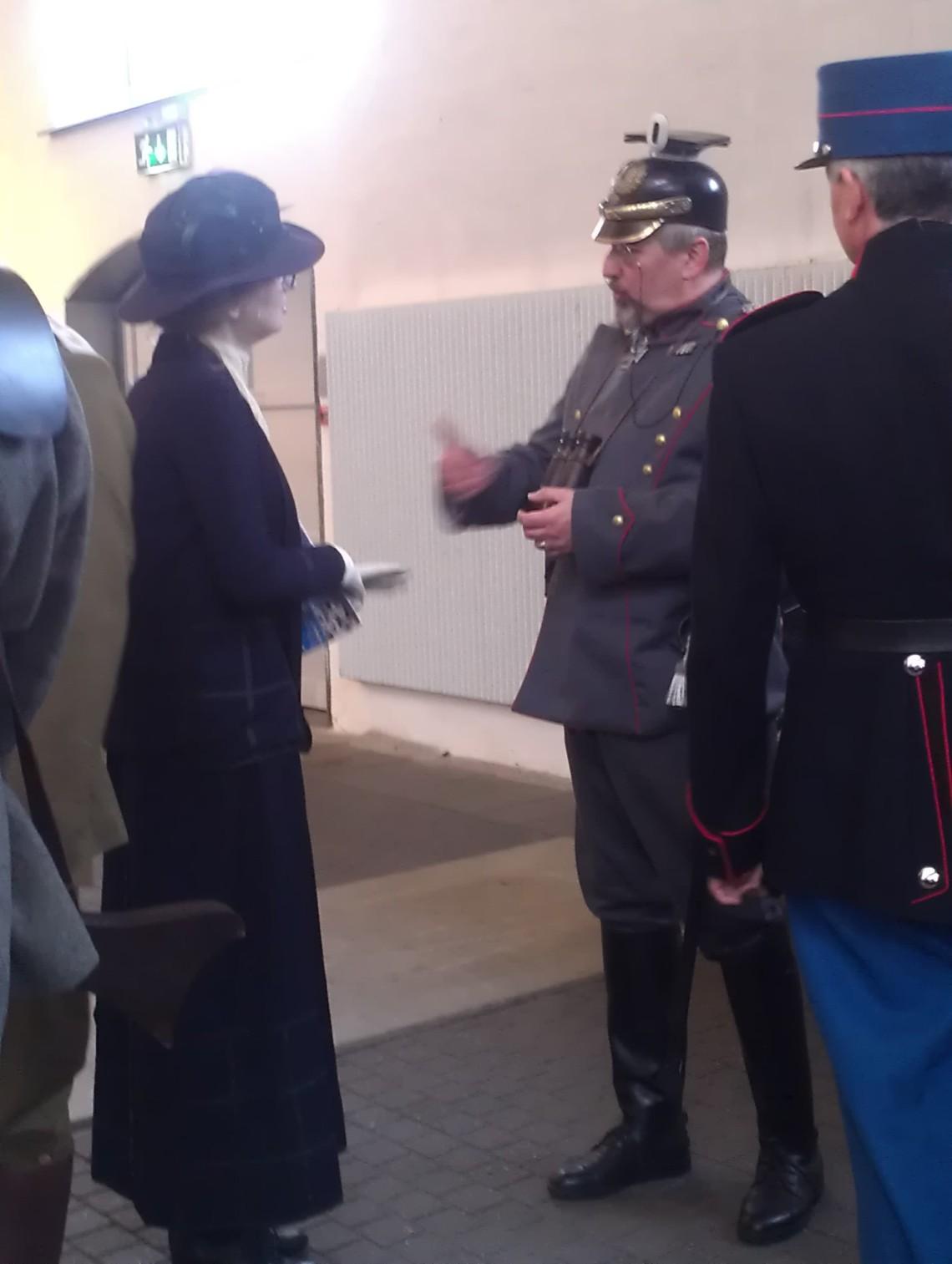 Kvinde + soldat 1914 HD