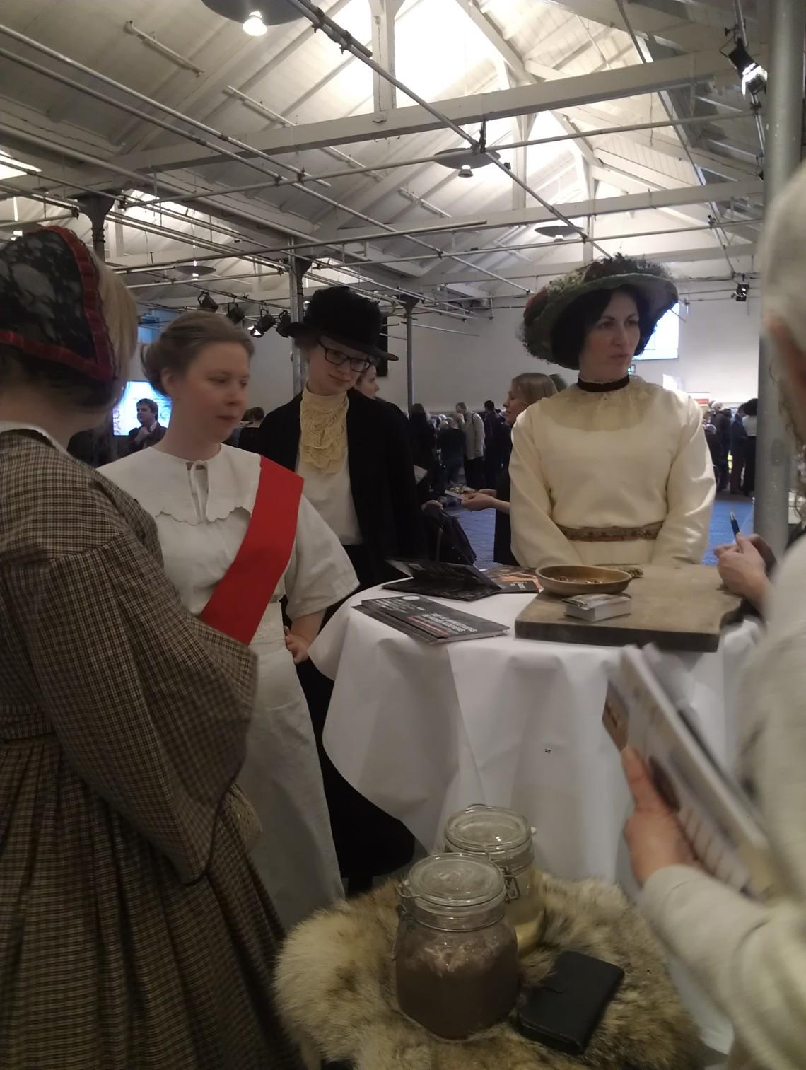 Kvindegruppe ca 1915 HD